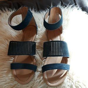Tahari Dance, Gladiator style sandals, blue. 9M